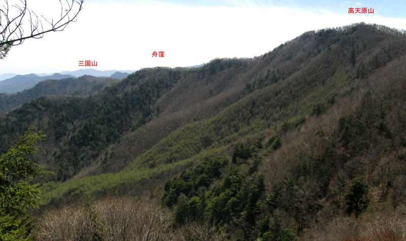 34.西上州最高峰/高天原山より...